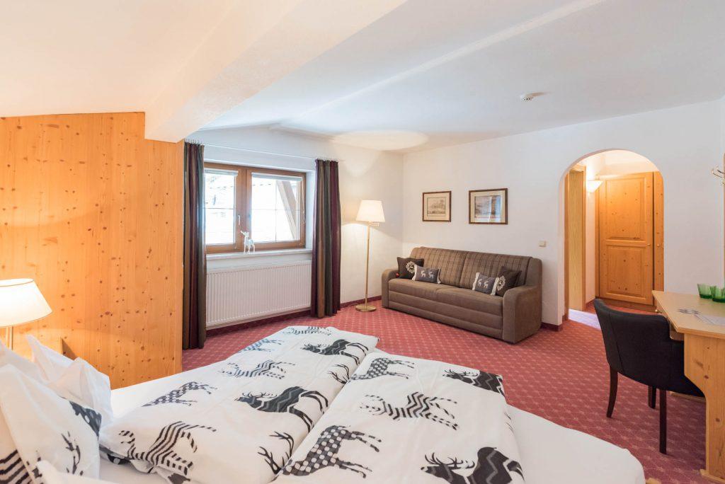 Familienzimmer-st-anton-hotel-kertess