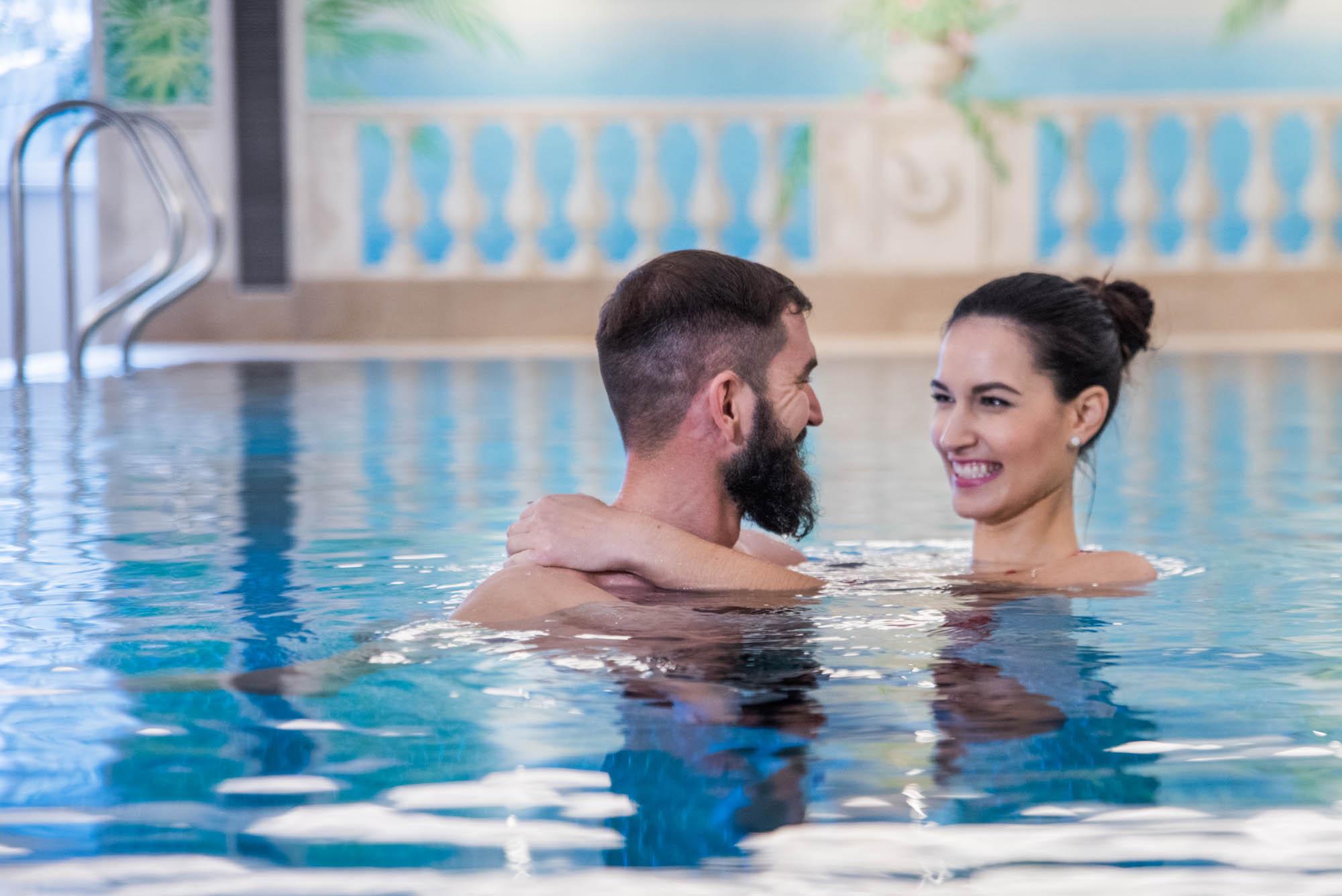 schwimmen-hotel-st.anton