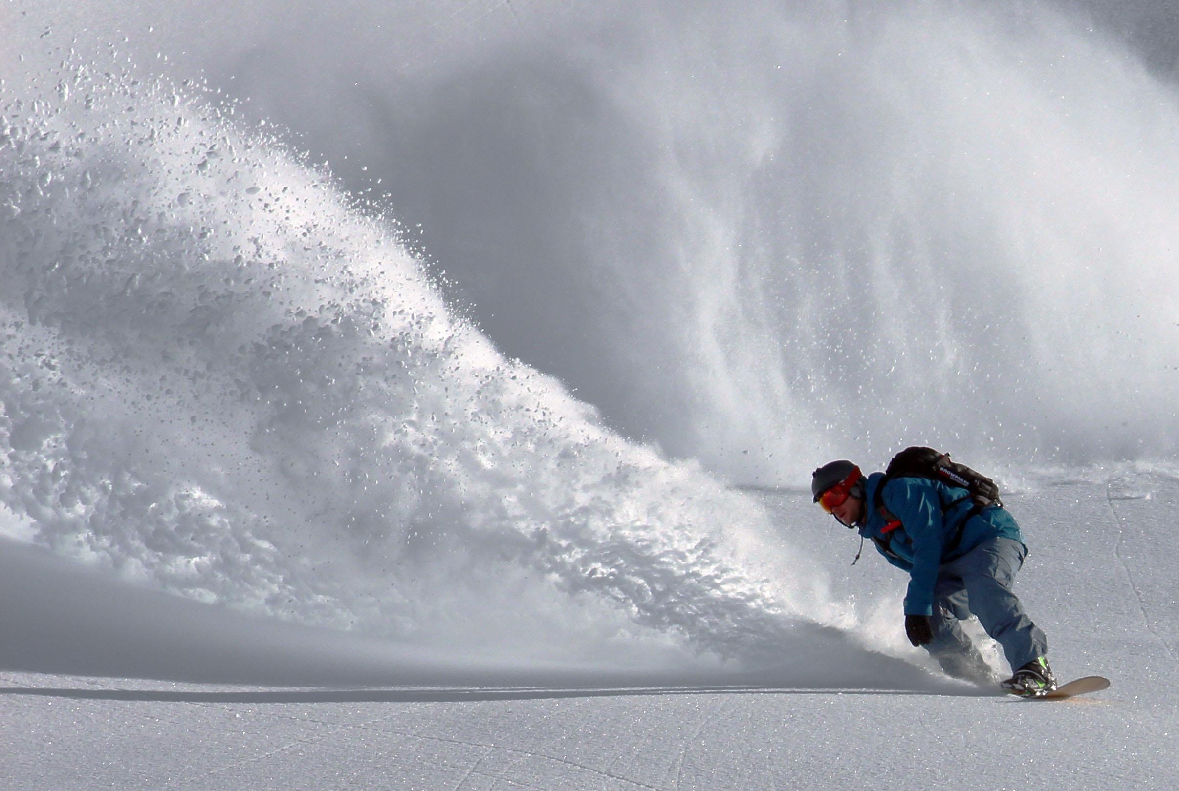 Tiefschnee_Snowboarding-St-Anton